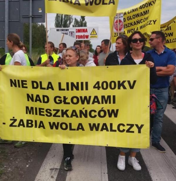 12 sierpnia blokowano drogę krajową nr 8 we wsi Oddział