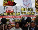 Mieszkańcy Jaktorowa od kilku miesięcy protestują przeciwko budowie linii wysokiego napięcia.