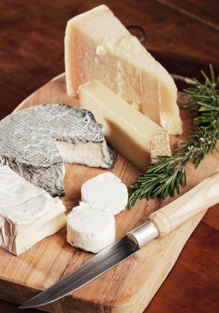Na Listę Produktów Tradycyjnych prowadzoną przez Ministerstwo Rolnictwa wpisano trzy sery z Mazowsza.
