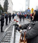 Podczas manifestacji Sejm chroniony jest barierkami