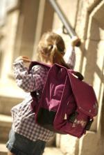 W skrajnych przypadkach plecak waży tyle co połowa ucznia.