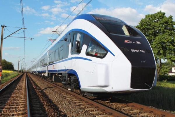 Pesa, producent elektrycznych zespołów trakcyjnych, jest zainteresowana pracami warszawskiej firmy.