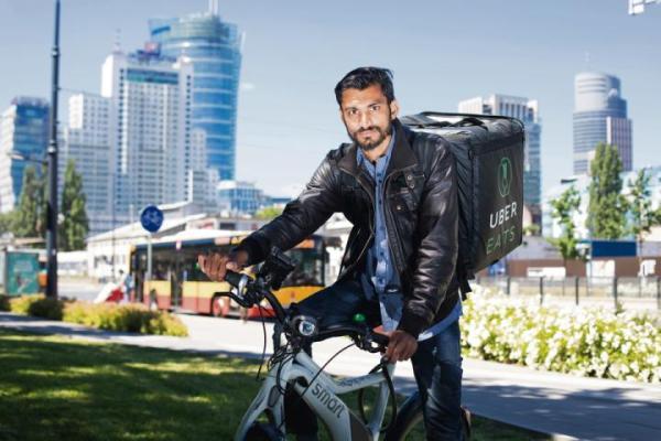 W Warszawie czuję się bezpieczniej niż w Londynie – mówi nam Ajay Pipalia.