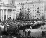 Uroczystości pogrzebowe Bolesława Prusa na Placu Trzech Krzyży, 22 maja 1912 rok