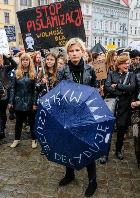 W 2016 r. czarny protest wsparły finansowo zagraniczne organizacje kobiece