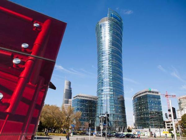 Rekord najmu biur należy dziś do Samsunga, który wynajął 21 tys. mkw. w Warsaw Spire.