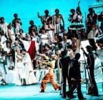 """""""Eros i Psyche"""", akt rzymski,  zrealizowany w Operze Narodowej jak w studiu filmowym"""