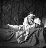Teresa Suchecka jako Desdemona i Kazimierz Junosza-Stępowski jako Otello (1936 r.).