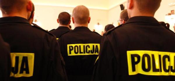 Każdej doby na polskie ulice wychodzi lub wyjeżdża ok. 10 tys. patroli. Każdy powinien być wyposażony w nowoczesny terminal
