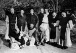Francuscy trapiści zostali porwani nocą 27 marca 1996 r. Trzeci od prawej przeor Christian de Chergé
