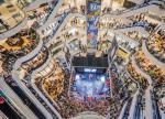 Wielkie galerie handlowe z obiektów, do których idzie się tylko na zakupy, zamieniają się w miejsca spotkań i rozrywki.