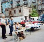 Handel na terenie dawnego, słynnego bazaru dziś dogorywa.
