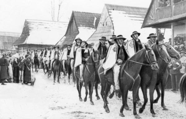 Pamięć o powstaniu chochołowskim długo była żywa wśród górali na Podhalu (na zdjęciu obchody rocznicy powstania w 1934 r.)