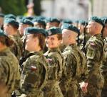 Resort obrony tłumaczy, że chce budować etos Wojsk Obrony Terytorialnej (na zdjęciu przysięga w jednej z brygad)  na wartościach bohaterów Polskiego Państwa Podziemnego.