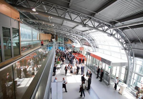 Lotnisko w Modlinie nie będzie jednak centralnym portem.