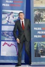 """Przemysław Wipler  na konferencji prasowej PiS  pt. """"Obietnice Wyborcze"""", 2011 rok."""