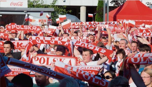 ≥Doping podczas meczu fazy grupowej Euro 2016 Polska – Irlandia Północna w strefie kibica w Łodzi    oraz cztery lata wcześniej w Warszawie (mecz Włochy – Niemcy)