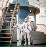 ≥Załoga misji Sojuz 30: Piotr Klimuk i Miroslaw Hermaszewski. Centrum Wyszkolenia Kosmonautow im. J. Gagarina w podmoskiewskim Gwiezdnym Miasteczku (Zwiozdny Gorodok, 1978 r.)