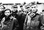 """≥Kazimierz Rudzki (pierwszy z prawej) przed kamerą debiutował w 1957 r. w """"Eroice"""" Andrzeja Munka rolą podporucznika Turka, gdzie w drugiej etiudzie – czyli """"Ostinato – Lugubre"""" – wykorzystał swoje doświadczenia z niemieckiego oflagu"""