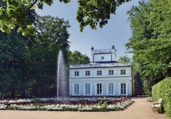 Biały Domek słynie z doskonale zachowanych dekoracji wnętrz Jana Bogumiła Plerscha