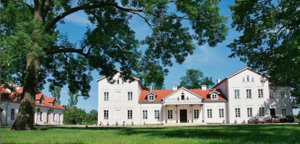 """<Folwark Łochów, jeden z pałaców-hoteli w """"kolekcji"""" Grupy Arche"""