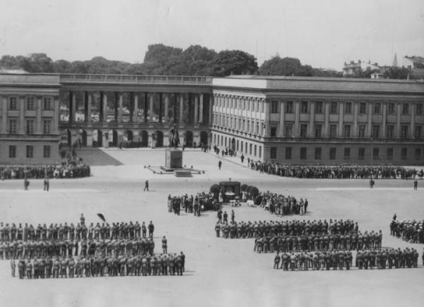 Po I Wojnie Światowej w Pałacu Saskim znajdował się Sztab Generalny Wojska Polskiego