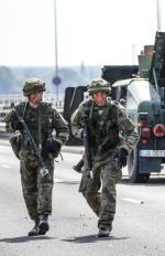 ≥Od kilku tygodni MON prowadzi kampanię zachęcającą  do wstąpienia w szeregi wojska