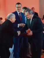 Czy Piotrowi Glińskiemu chodzi o to,  by w oczach Jarosława Kaczyńskiego być politykiem twardszym niż Mateusz Morawiecki? (gala nagrody Człowiek Wolności 2018, 21 stycznia 2019 r.)