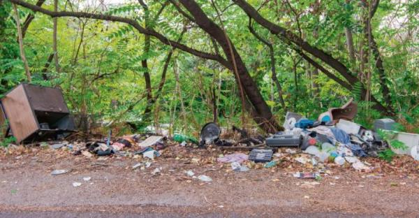 Dzikie wysypiska degradujące środowisko to kłopot dla gmin