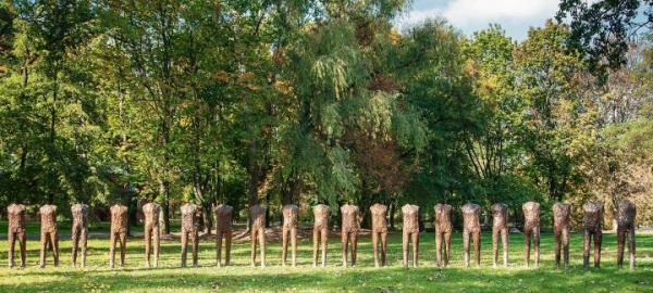 8 mln zł zapłacono za rzeźby Magdaleny Abakanowicz z kolekcji kultowego aktora Robina Williamsa