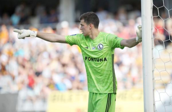 Radosław Majecki to kolejny bramkarz, za którego Legia dostaje duże pieniądze
